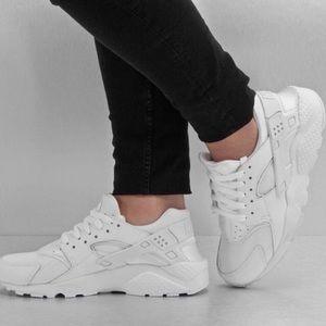 Nike air huarache run white 8.5 women's